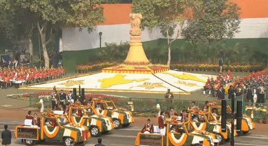 India Tv - Fifteen of the 18 children who won the National Bravery Award participating in the parade.