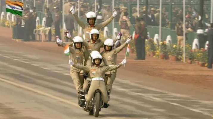 India Tv - In a first, women BSF bikers showcasing stunts at Republic Day parade amid cheers at Rajpath