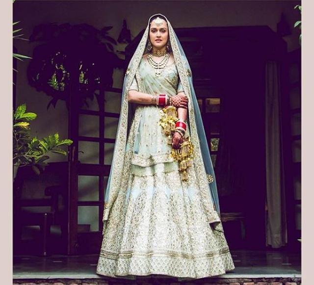 India Tv - Pia in Sabysachi bridal wear