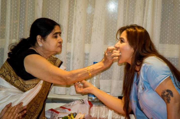 India Tv - Shilpa Shinde with mother