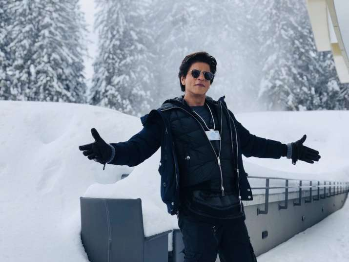 Shah Rukh Khan recreates signature open arms pose Davos