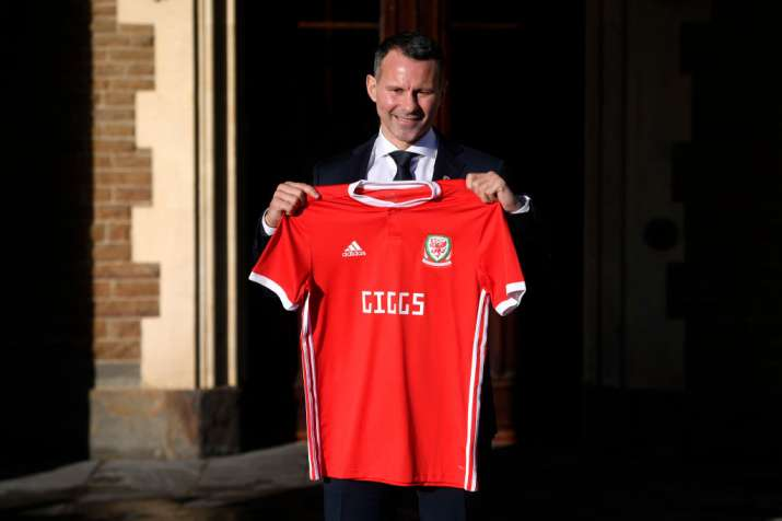 India Tv - Ryan Giggs poses with the Wales national jersey