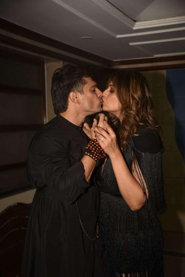 India Tv - Bipasha Karan share a romantic moment