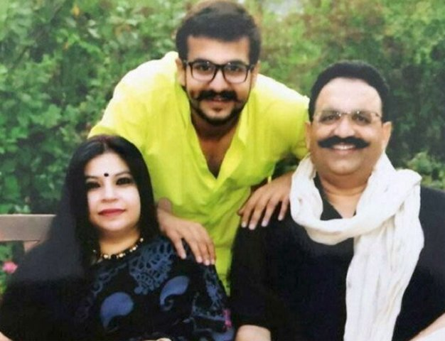 Mukhtar Ansari with wife Afsa and son Abbas