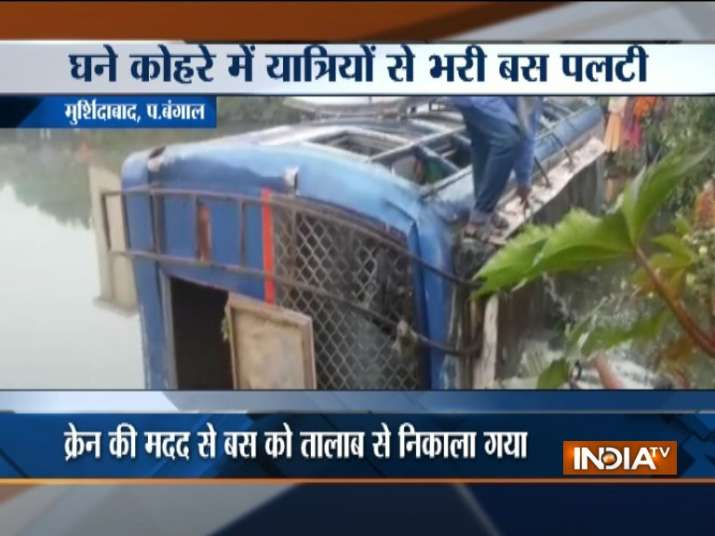 7 killed, over 20 injured as bus overturns in West Bengal's