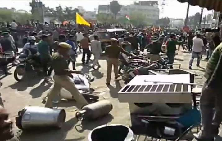 Shops vandalized in Rajasthan's Udaipur during protest against Padmaavat