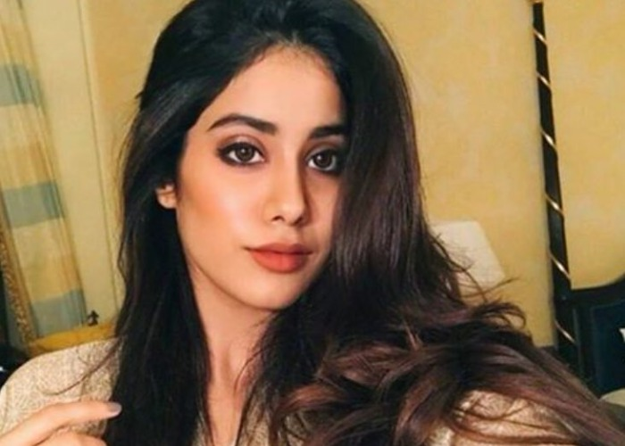 Watch happy Jahnvi Kapoor bunny hopping in this latest workout video!  jhanvi kapoor instagram khushi kapoor jhanvi kapoor wiki jhanvi kapoor age  khushi kapoor age khushi kapoor height khushi kapoor instagram jhanvi