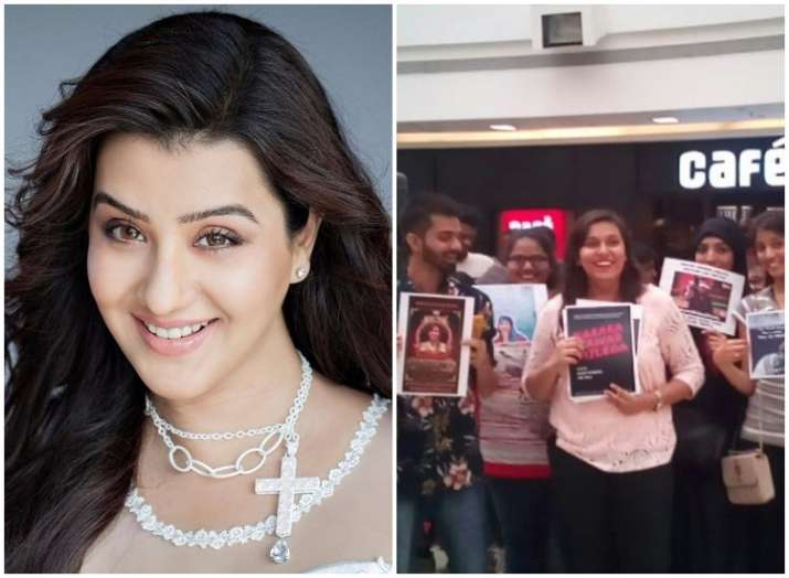Bigg Boss 11 Shilpa Shinde fans in Mumbai mall