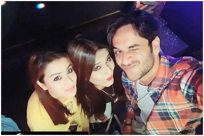 India Tv - Shilpa clicked with Vikas