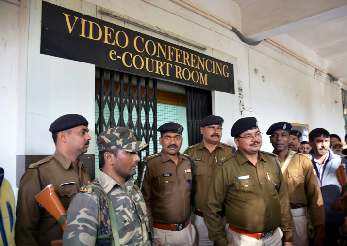 India Tv - Heavy security deployed at Special CBI court during the announcement of the quantum of punishment to Lalu via video conferencing in Ranchi on Friday