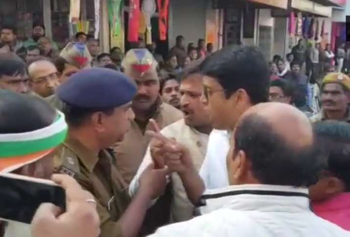 Heated argument between Police officials and Congress MLC