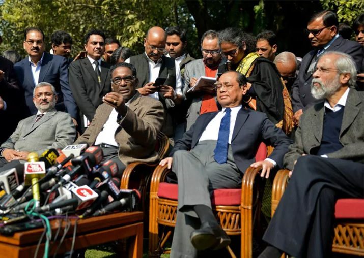 Government not going to intervene in SC judges' issue: MoS