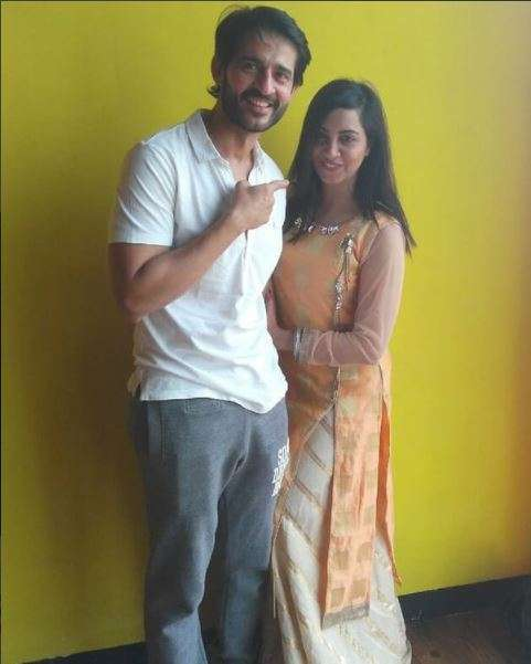 India Tv - Hiten Tejwani and Arshi Khan are rehearsing for their performance in Mumbai