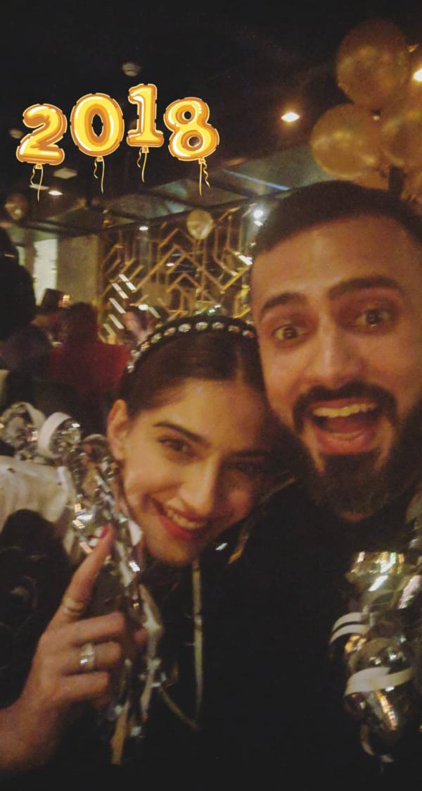 India Tv - Sonam and Anand Ahuja in Paris