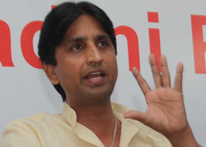 Kumar Vishwas tried to topple Kejriwal govt after MCD