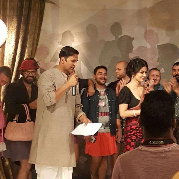 India Tv - Akshay, Mouni