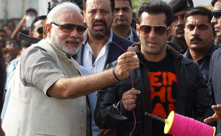 India Tv - Salman Khan flying kite with PM Narendra Modi during Jai Ho promotions