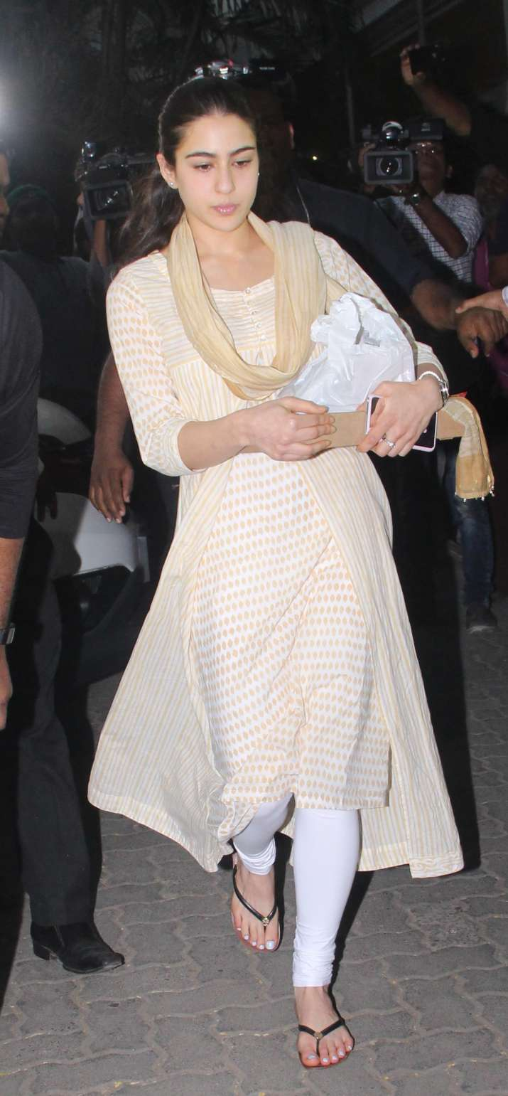 India Tv - Sara Ali Khan at Anil Kapoor's residence