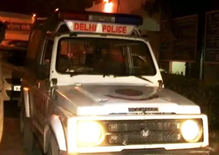 Delhi: Woman throws her 25-day-old daughter in garbage, dies