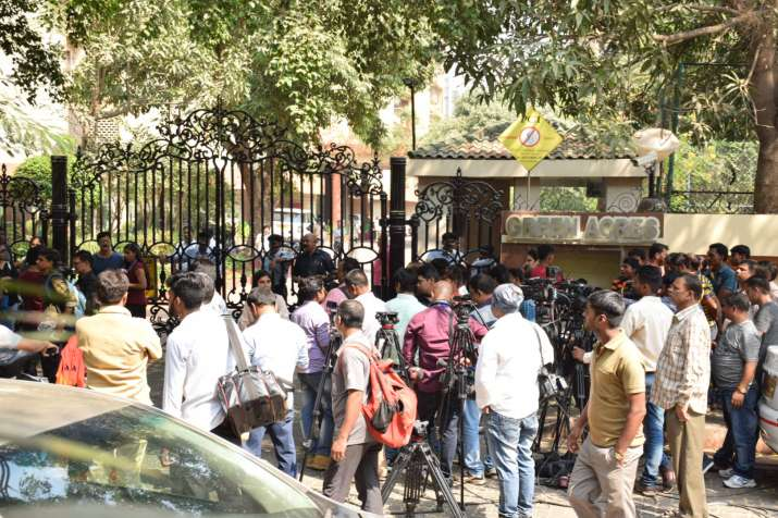 India Tv - Crowd outside Sridevi's home