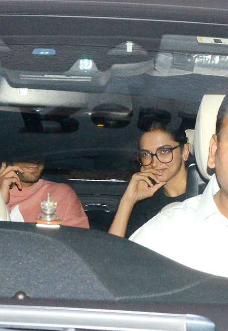 India Tv - The couple was seen entering KJo's party together