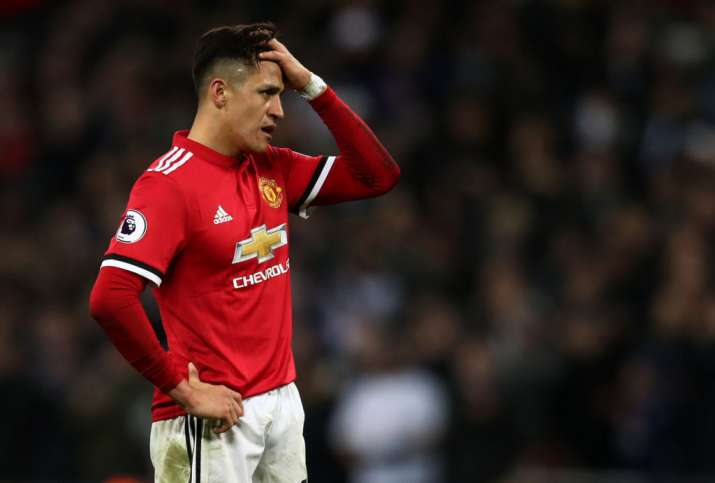 India Tv - Sanchez moved to United to learn as a player.