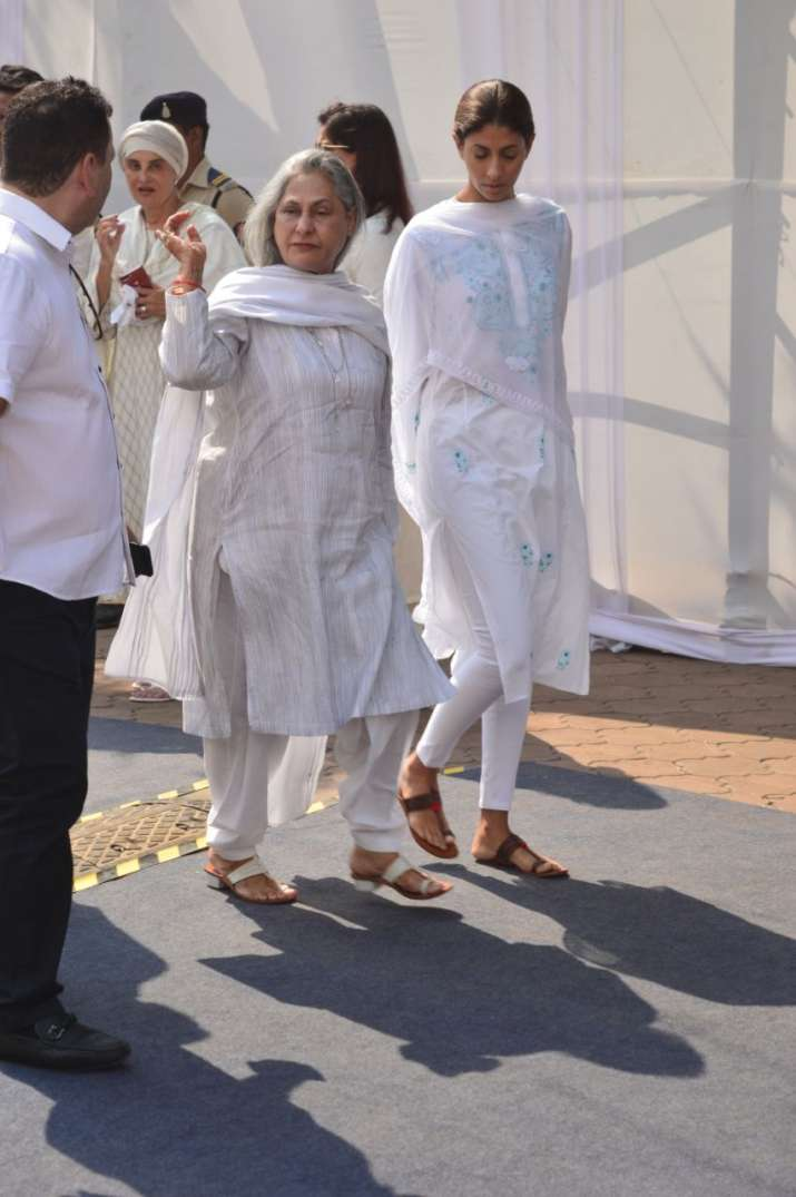 India Tv - jaya bachchan shweta nanda at sridevi funeral