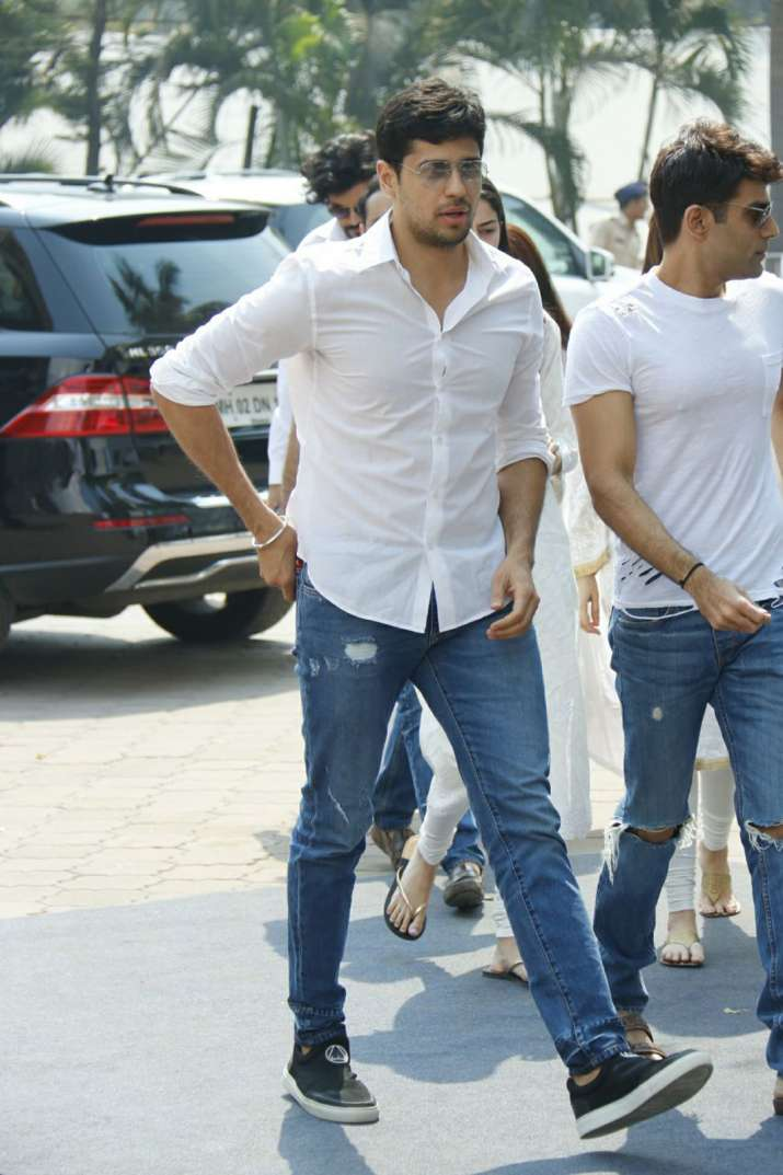 India Tv - Sidharth Malhotra at Sridevi's funeral