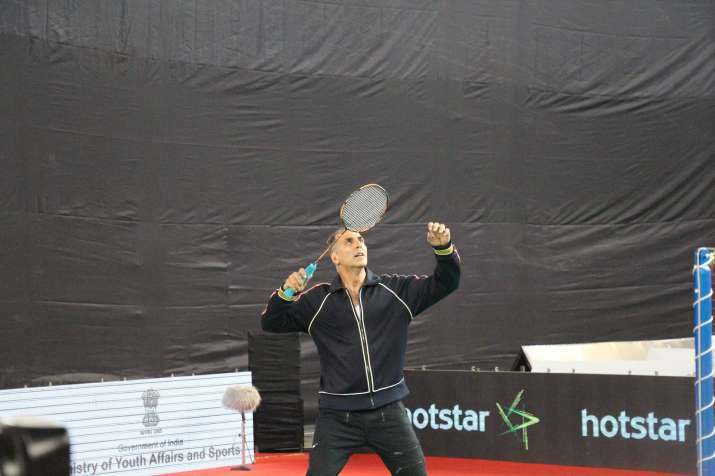 India Tv - Akshay tried his hands on badminton at Khelo India Games