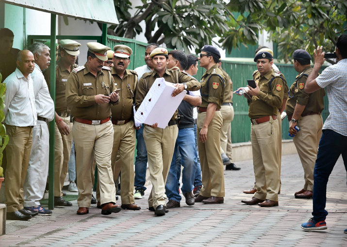 Police personnel outside CM Kejriwal's residence during an