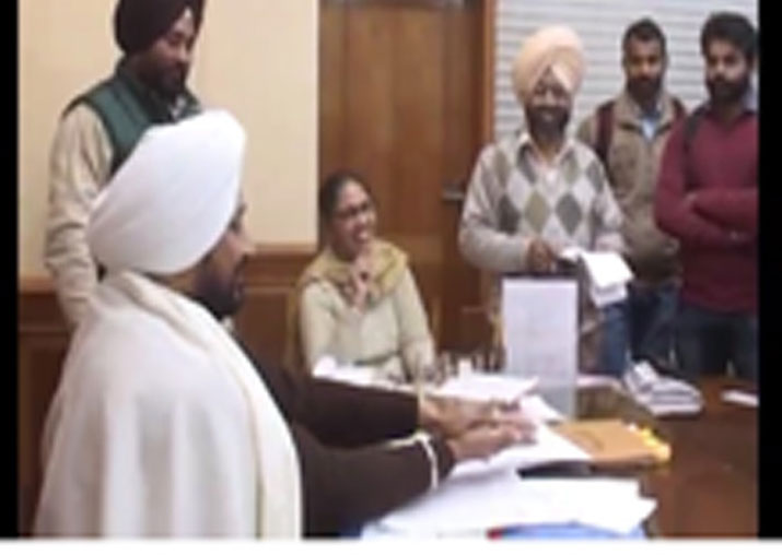 Punjab Minister in the dock after he flips coin to decide