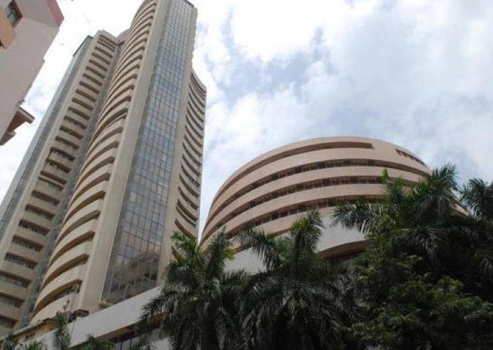 Sensex surges 330 points to close at 34,413; Nifty ends