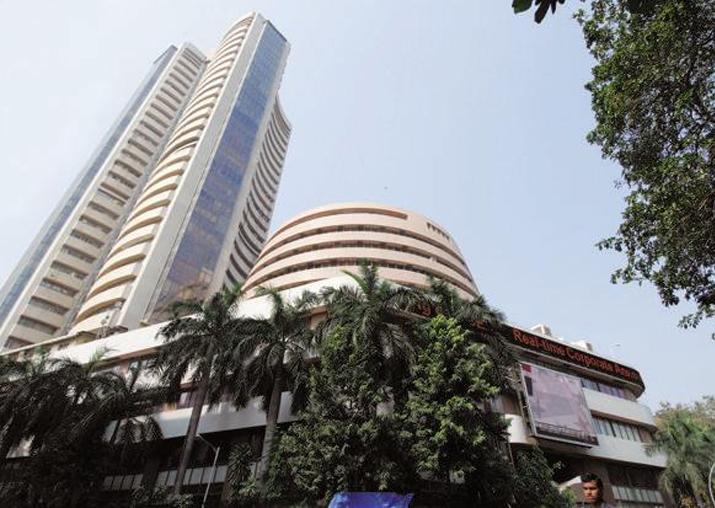 Sensex slips below 34,000 level, down 131 points in early