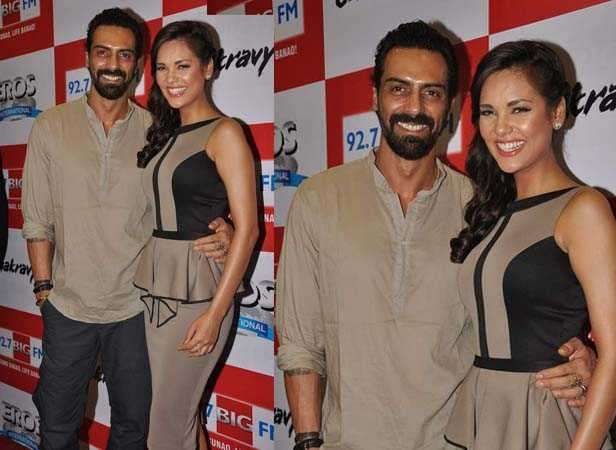 Esha Gupta and Arjun Rampal team up for JP Dutta's Paltan