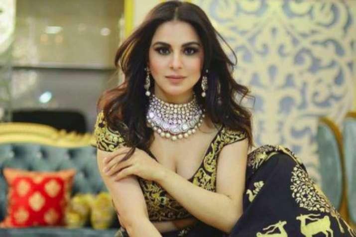 Kundali Bhagya actress Shraddha Arya's 'towel dance' video
