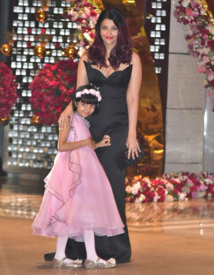 India Tv - Aishwarya Rai Bachchan with her daughter Aaradhya at the party