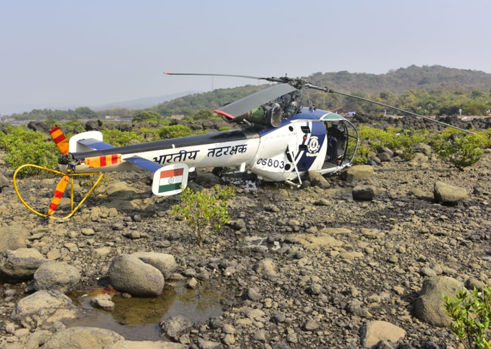 Indian Coast Guard chopper crashlands near Mumbai, all crew