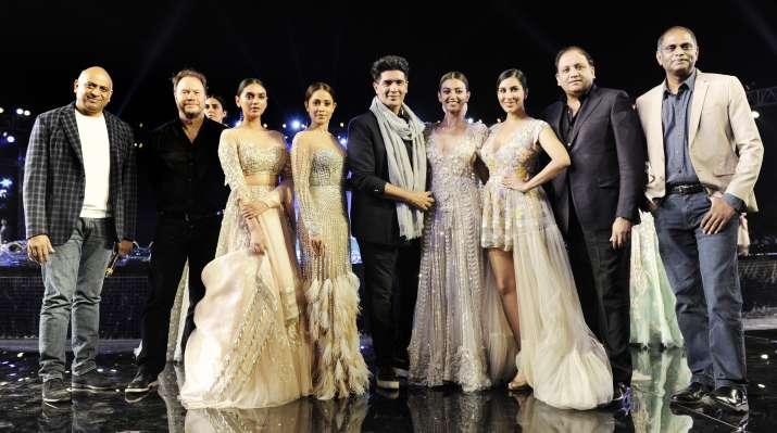 India Tv - Manish Malhotra summer couture 2018