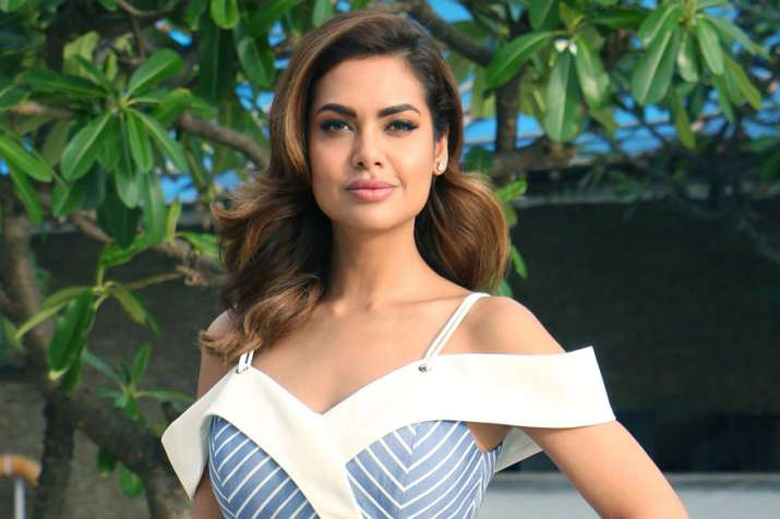 Here's what Esha Gupta has to say about working on Iranian project ...