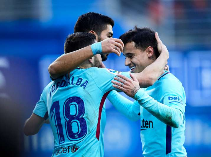 India Tv - Coutinho and Suarez combine together well at the Camp Nou