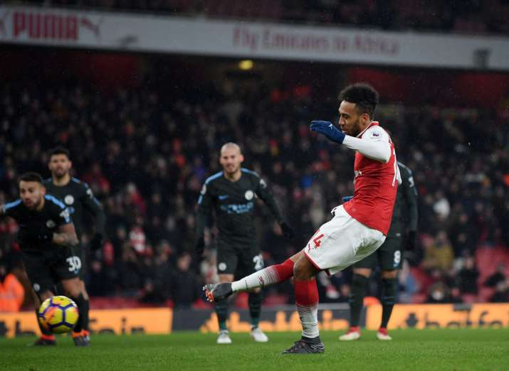 India Tv - Aubameyang missed the penalty that was crucial for Arsenal