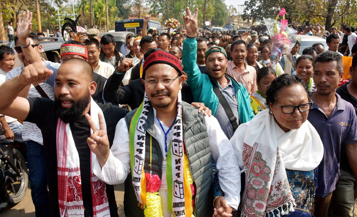 India Tv - NPP candidate James Sangma displays victory sign after winning in Dadenggre constituency in the Meghalaya Assembly elections at Dadenggre, Meghalaya on Saturday.