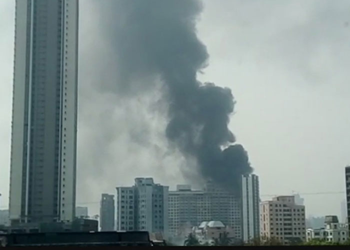 Fire breaks out at a building in Mumbai's Kalachauki.
