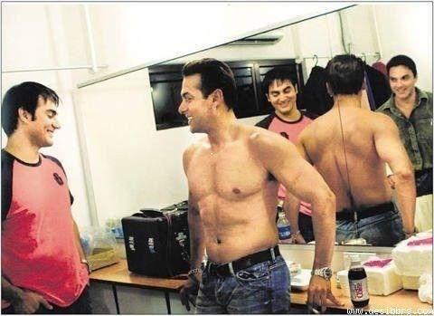 India Tv - Salman, Arbaaz and Sohail having a casual chat.