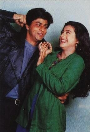 India Tv - SRK and Kajol having fun on the sets of Baazigar