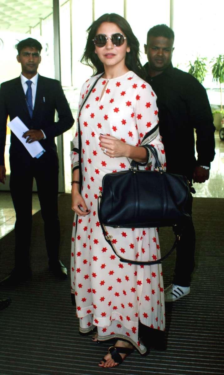 India Tv - Anushka Sharma off to Bengaluru