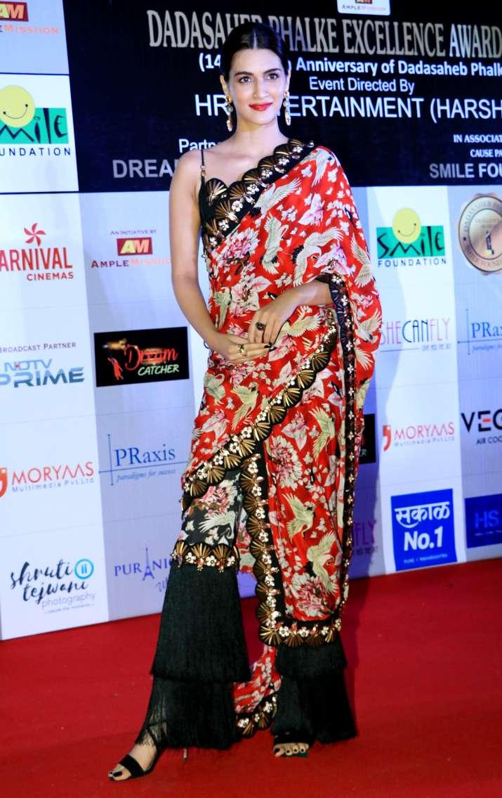 India Tv - Kriti Sanon at Dadasaheb Phalke Awards 2018