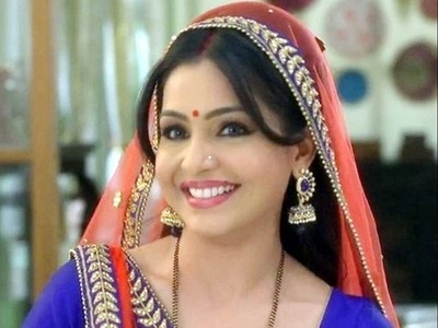 Angoori Bhabhi aka Shubhangi Atre celebrates birthday with