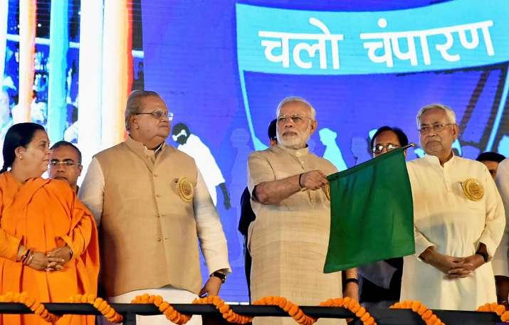 Champaran Humsafar Express inaugurated by PM Modi to