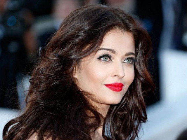 When Aishwarya Rai Was Asked Why She Lived With Parents On